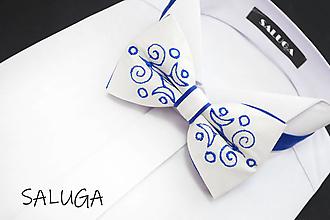 Doplnky - Vyšívaný folklórny pánsky motýlik - kráľovsky modrý - 13467610_