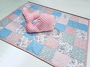 Textil - Ružovo-mentolová patchworková deka 120*90cm - 13468616_