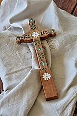 Dekorácie - Kríž drevený – farebný kvet lístky I. - 13470179_