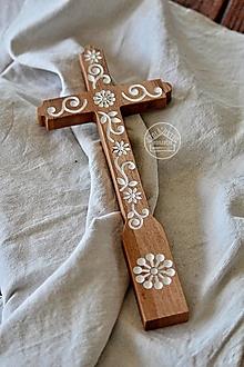 Dekorácie - Kríž maľovaný - biely kvet špirála - 13470175_
