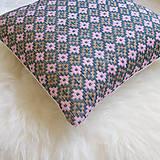 Úžitkový textil - Oma vankúš - ručne vyšívaný - 13470325_