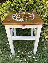 Nábytok - Drevený stolček - 13470632_