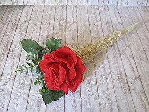 Dekorácie - Ruža v slamenom kornútku - 13474917_