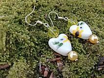 Náušnice - Náušničky srdiečka kvietky žlté - 13474184_