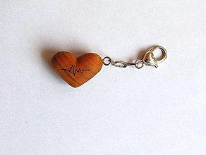 Kľúčenky - Kľúčenka z dreva - Čerešňové srdiečko tep srdca - 13474217_