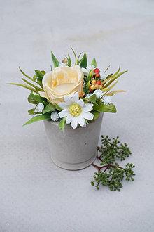 Dekorácie - Malý aranžmán s ružou - 13478147_