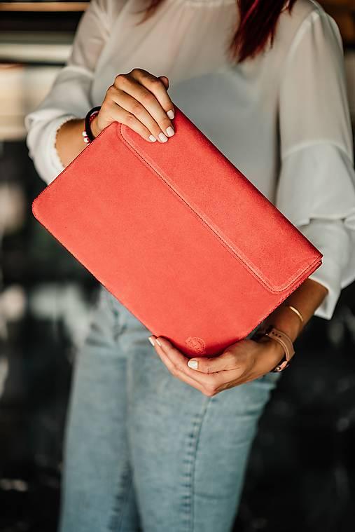 Na notebook - Puzdro na notebook z brúsenej kože Spring červené - 13482337_