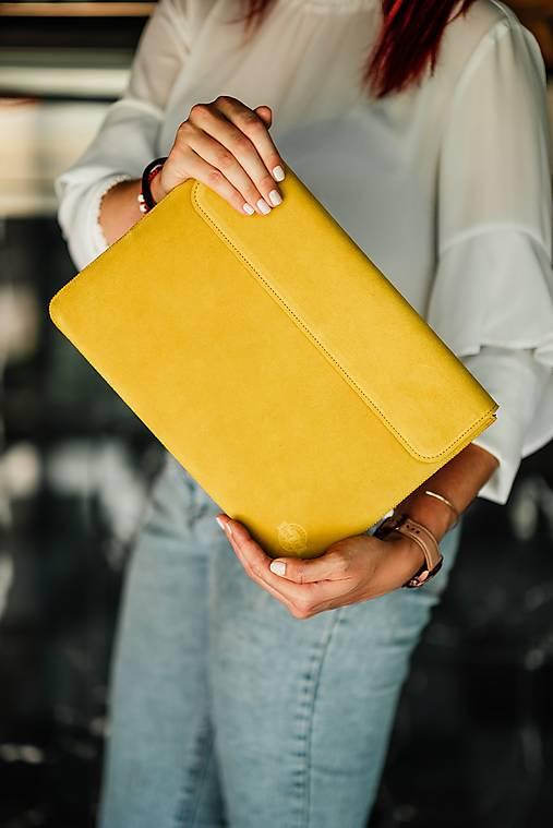 Na notebook - Puzdro na notebook z brúsenej kože Spring žlté - 13482341_