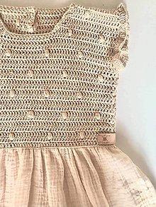 Detské oblečenie - Háčkované šaty - 13482774_