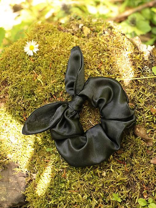 Scrunchies gumička ušatá saténová čierna