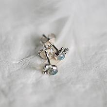 Náušnice - Strieborné napichovacie náušnice s mesačnými kameňmi - Bokeh Moon Mini - 13484684_