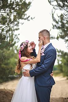 Ozdoby do vlasov - Romantický  svadobný set  (Set za zvýhodnenú cenu: venček, pierko, motýlik a vreckovka) - 13487568_