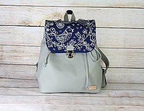 Batohy - Kožený modrotlačový batoh Matej šedý AM - 13486226_