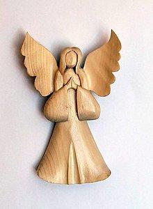 Dekorácie - Drevený anjel závesný - Boží anjel 2 - 13487795_