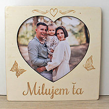 Rámiky - Drevený fotorámik s vlastným textom srdce, drevený darček, drevená dekorácia - 13487620_