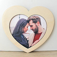 Rámiky - Drevený fotorámik srdce, drevený darček, drevená dekorácia, valentín, drevené srdiečko - 13488440_