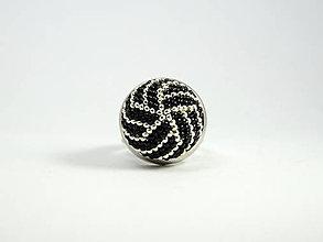 Prstene - Háčkovaný korálkový prsteň Pásiky II - 13491929_