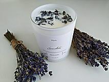 Svietidlá a sviečky - Sójová sviečka s vôňou levandule (200g) - 13493723_
