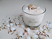 Svietidlá a sviečky - Sójová sviečka s minerálmi/drahými kameňmi - opalit, krištáľ (190g) - 13493762_