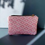 Peňaženky - Ručne vyšívaná elegantná peňaženka - ružová - 13495133_