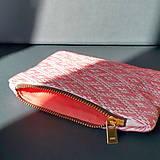 Peňaženky - Ručne vyšívaná elegantná peňaženka - ružová - 13495136_
