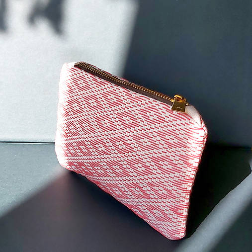 Ručne vyšívaná elegantná peňaženka - ružová