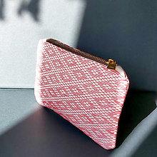 Peňaženky - Ručne vyšívaná elegantná peňaženka - ružová - 13495135_