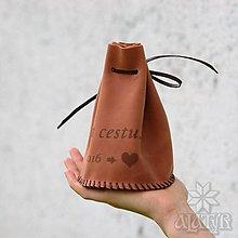 Peňaženky - Veľký kožený mešec na 700 mincí s menami - 13497336_