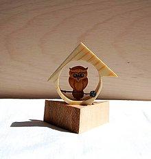 Dekorácie - Dekorácia z dreva - Sovička v domčeku - 13498033_