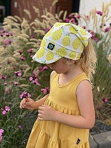 Detské čiapky - Letná šatka so šiltom citróny z BIO bavlny - 13499626_