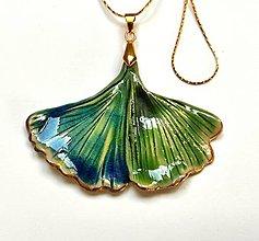 Náhrdelníky - Keramický šperk Ginko - so zlatom - 13500016_