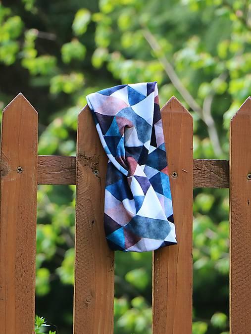 Prekrížená úpletová čelenka trojuholníky hnedo/modré