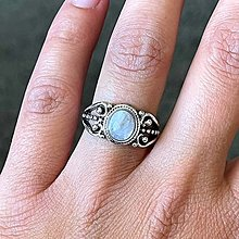 Prstene - Antique Silver Moonstone Ring / Vintage prsteň s mesačným kameňom - 13508422_