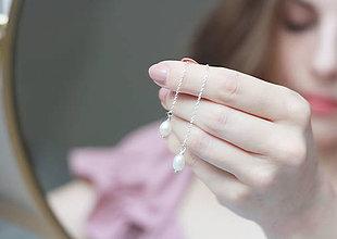 Náušnice - Svadobné náušnice, strieborné retiazkové náušnice s perlami - 13509988_