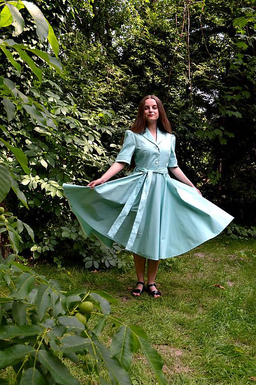 Mintové  bavlnené šaty s fazónkou a kruhovou sukňou