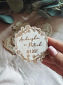 Darčeky pre svadobčanov - Magnetky pre svadobných hostí venček ružičky - 13510652_