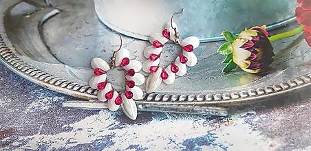 Náušnice - bielo fialové srdiečka - 13514529_