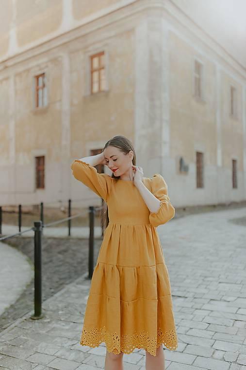 Šaty - ľanové madeirové šaty Zámutovské kvety (36 - Oranžová) - 13512939_
