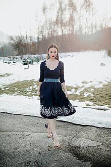Šaty - tmavomodré vyšívané šaty Očovianka - 13512604_