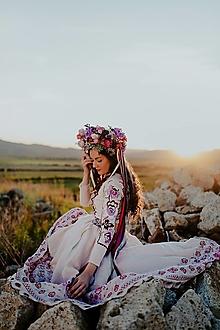 Šaty - vyšívané ľanové šaty Zámutovské kvety - 13512853_