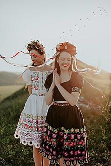 Sukne - čierna vyšívaná sukňa Zámutovské kvety - 13512960_