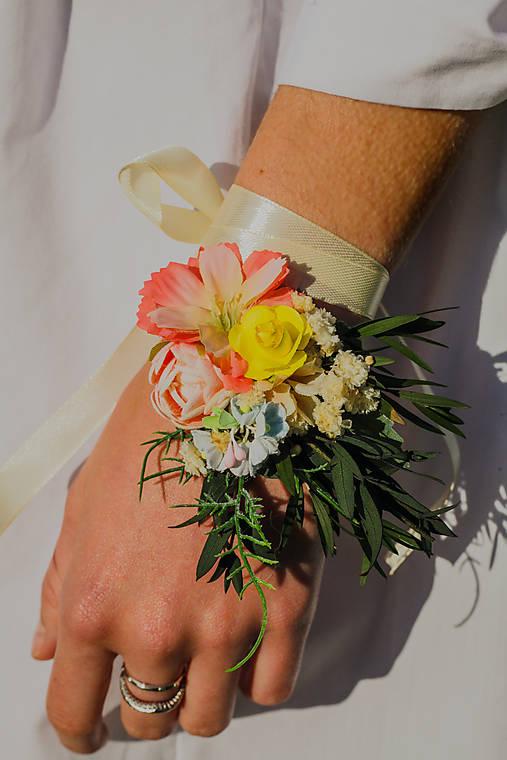 """Kvetinový náramok """"poďme sa zaľúbiť"""""""
