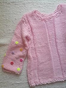 Detské oblečenie - Pulóvrik ružový s kvetinkami - 13527741_