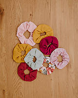- Textilná gumička scrunchie - 13529400_