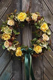 Dekorácie - Veniec - Žlté ruže - 13532005_