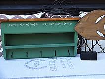 Nábytok - Zelená vidiecka polica - 13537963_