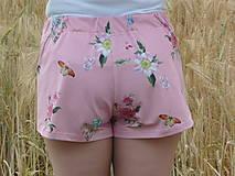 Nohavice - Dámske trenkoše Kvietky na ružovej úplet - 13543271_