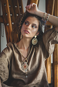 Náušnice - Soutache šujtášové statement náušnice so Swarovski krištáľmi Nina Kolekcia - 13546562_