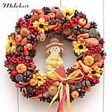 Dekorácie - Jesenný veniec s dievčatkom - 13546373_
