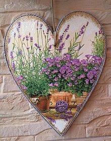 Dekorácie - Dekoračné srdce so zvončekovo - levanduľovým zátiším - 13545854_